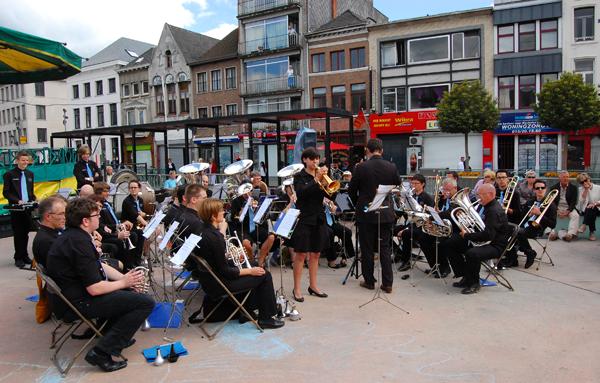 Brassband Hombeek op de Olifantenborrel (1.7.2012 - Mechelen)
